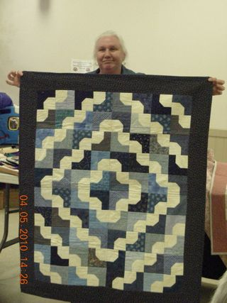 Liz_Ewing_Charity_quilts_French_Quarter_pattern_(1)